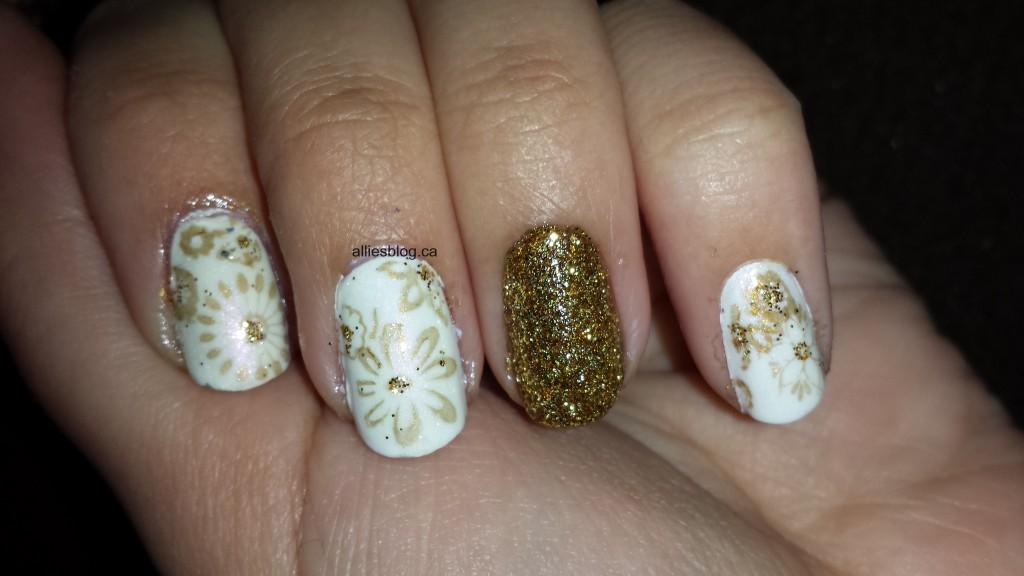 Ivory Gold Glitters – Alliesblog