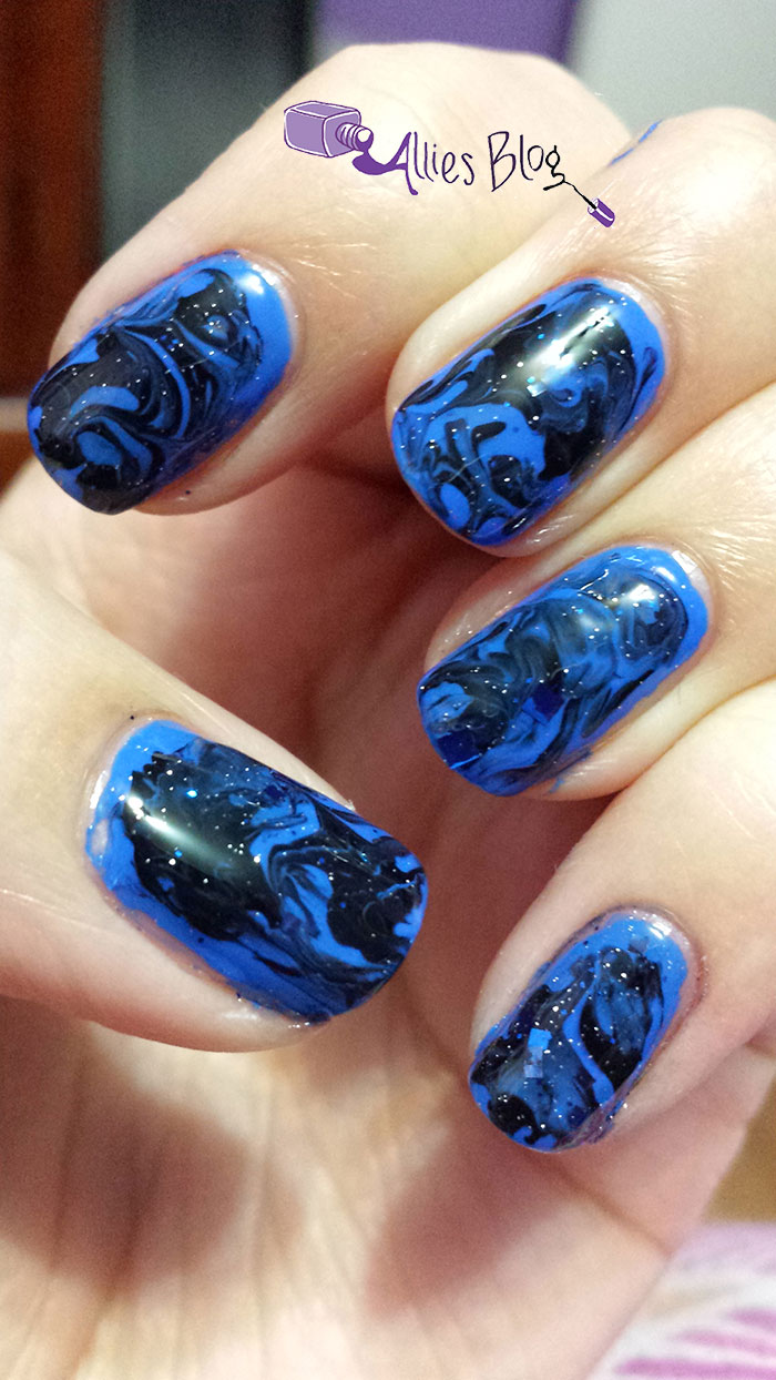 black and blue | white and gold | nails | marbled nails | chloe and bella |sinful colours
