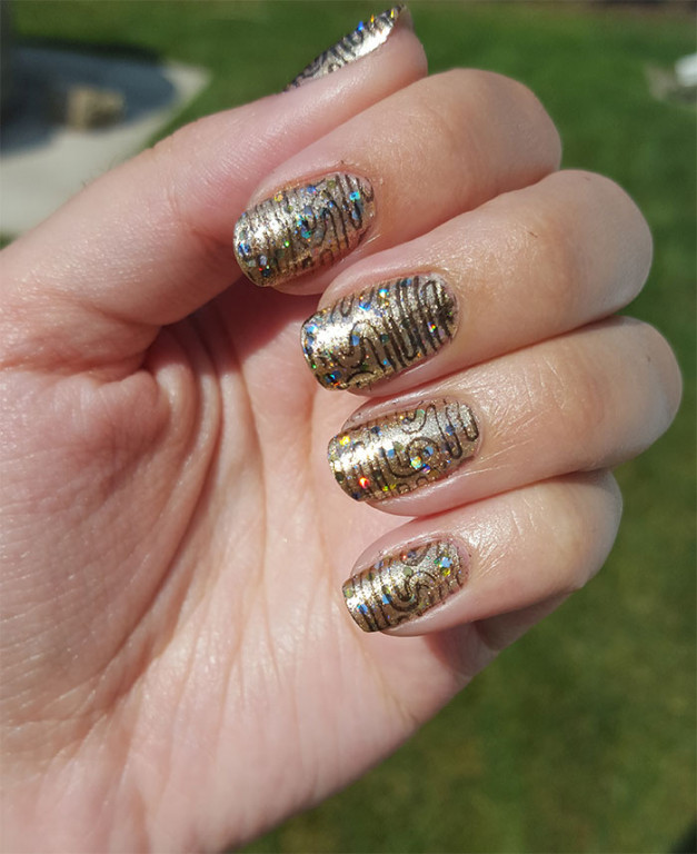 31 day challenge | #31dc2015 | metallic nails | gold nails | avon
