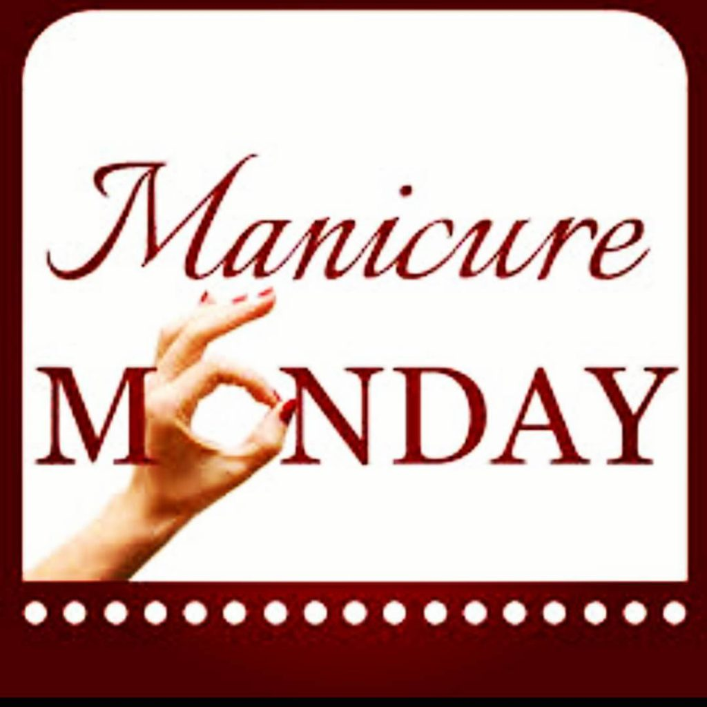 Its manicure Monday already! Whats on your nails today? manicurehellip