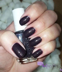 essie fall 2015 collection | nail polish canada | leggy legend